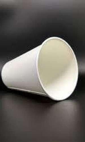 Copo descartável de papel biodegradável