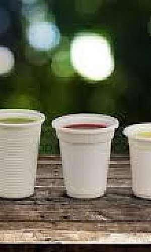 Copos de papel biodegradáveis e compostáveis