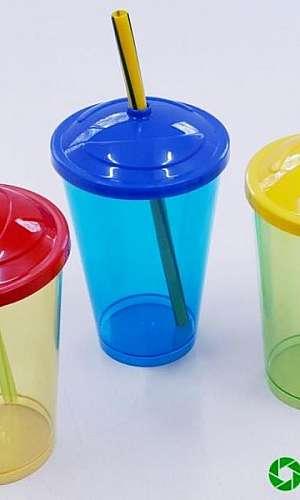 Fábrica copos injetados