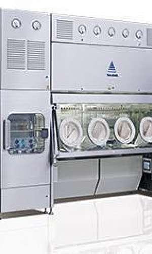 Isoladores para integração de processos farmacêuticos