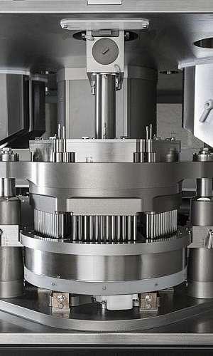 Usinagem de peças para encapsuladora